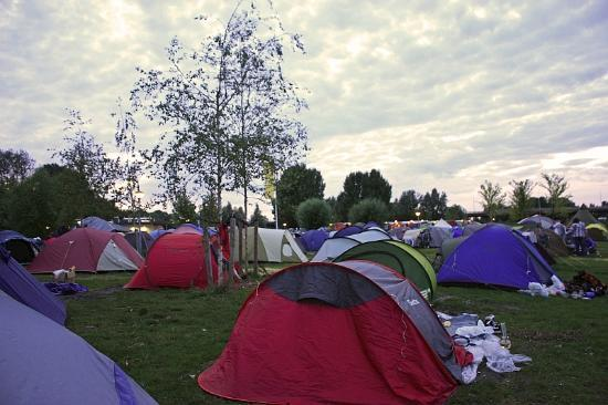 Camping Zeeburg: view of one of the tent areas