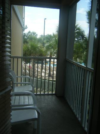 Sheraton Broadway Plantation Resort Villas: Screened-in porch