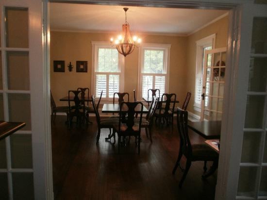 Steeles Tavern Manor Bed and Breakfast: Dinign Area