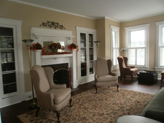 Steeles Tavern Manor Bed and Breakfast: Awesome & Cozy