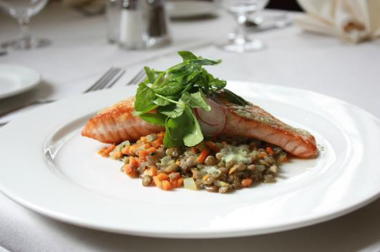 Old Lyme Inn : Salmon