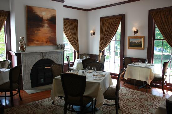 Old Lyme Inn : Peterson Room (Private Dining Room)