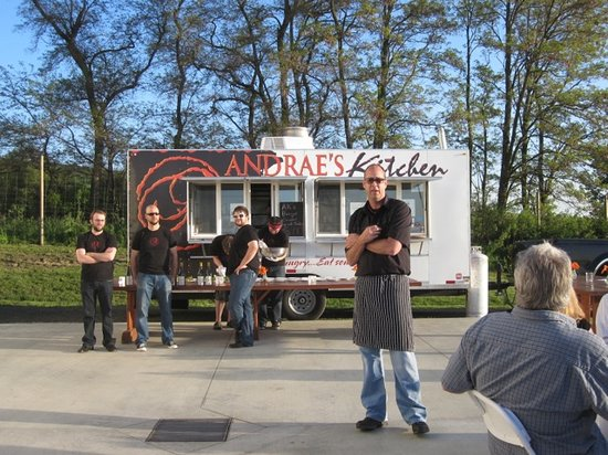 Andrae's Kitchen: Chef and The Food Truck Crew