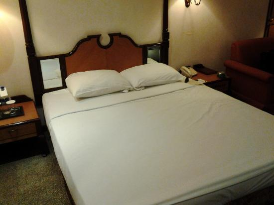 Grand by GRT Hotels: Room