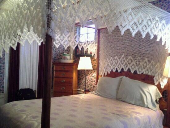 The Tolland Inn: room 1,tolland inn