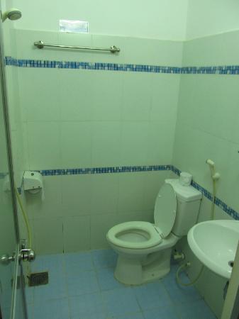 Truong Giang hotel: Bathroom