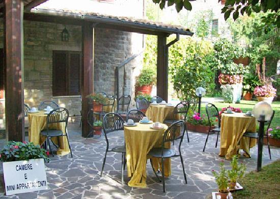 Residenza di Via Piccardi: Giardino interno