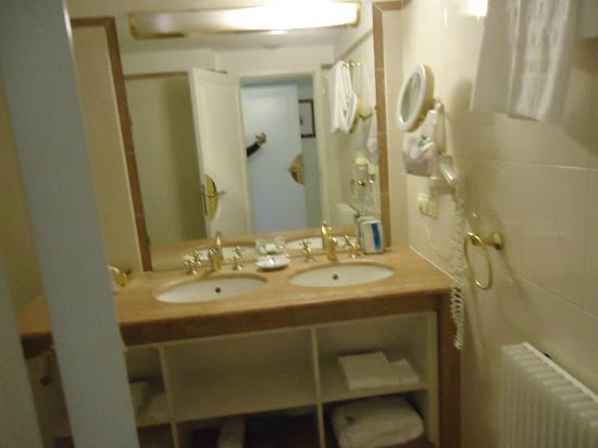 فندق راديسون بلو ألتشتات: Bathroom
