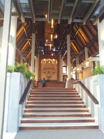 Deevana Plaza Krabi Aonang: Lobby area