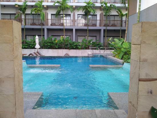 Deevana Plaza Krabi Aonang: Jacuzzi pool