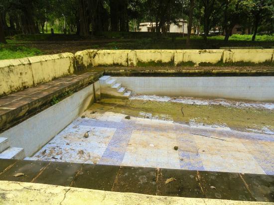 Delawadi, India: swimming pool is in terrible state