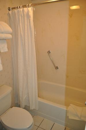 Land O Nod Inn: Bathroom