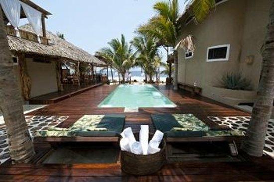 Hotel Casa Aamori: Alberca Vista al Mar