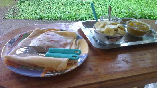 Dew Drops Bed & Breakfast: awesome breakfast