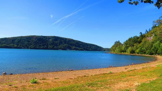 Devil's Lake State Park: Devil's Lake