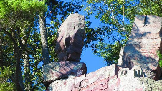 Devil's Lake State Park: Balance Rock