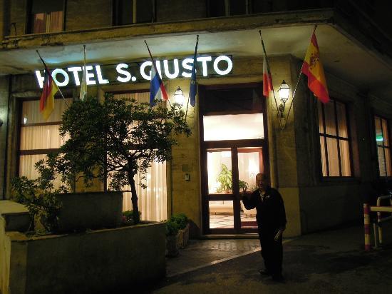 Hotel San Giusto : 晚上趕到了旅館,一切順利。