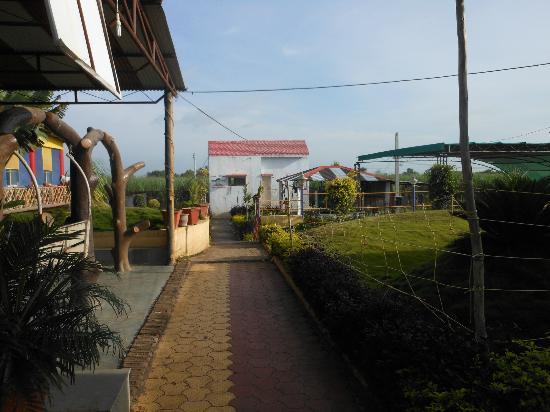 Shingnapur, India: Restaurant for breakfast