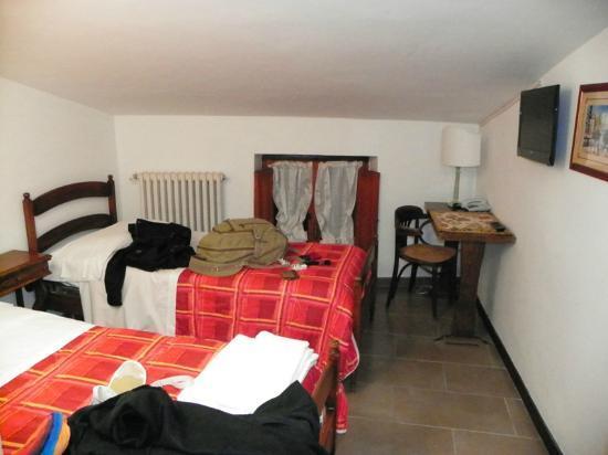 Hotel Properzio: Otra vista del segundo ambiente.