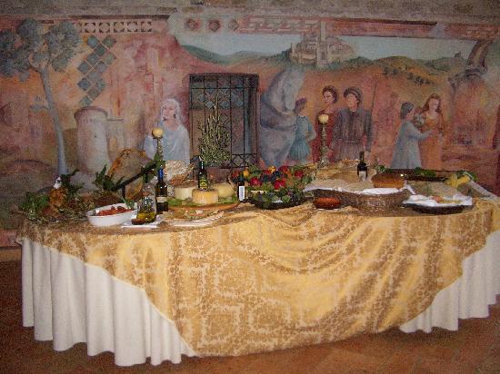 Il Convento - Antica Dimora Francescana Sec. XIII: buffet nell'antico refettorio