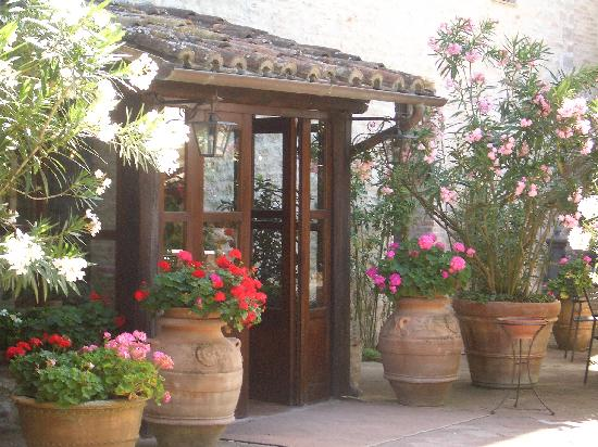 Il Convento - Antica Dimora Francescana Sec. XIII: ingresso del ristorante