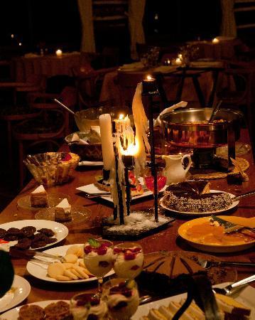 Arowhon Pines: Dessert table