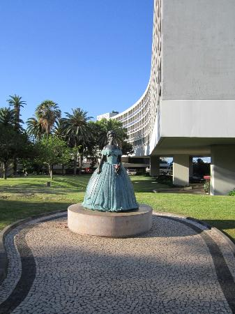 Funchal, Portugalia: sculpture of princess Sissi