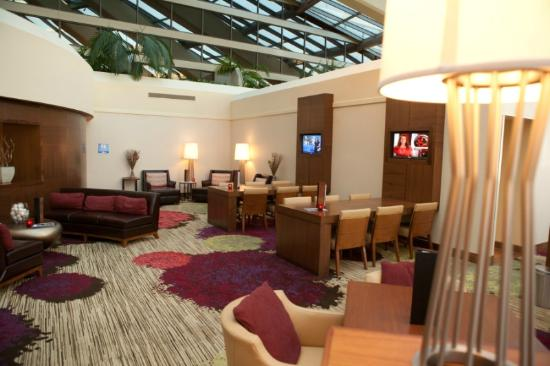 Walnut Creek Marriott: The lobby features business amenities, such as free wifi and work tables