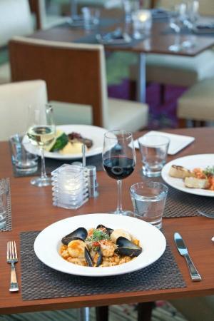 Walnut Creek Marriott: Fresh cuisine and local California wine from 'Atrio restaurant