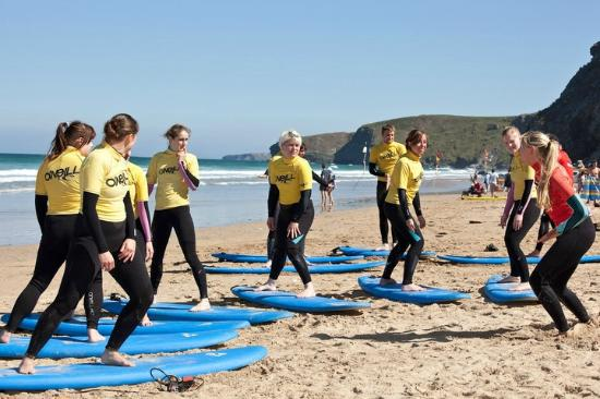 West Coast Surfari: Girls only special events day!