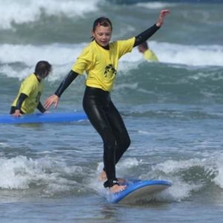 St Merryn, UK: group surfing lessons