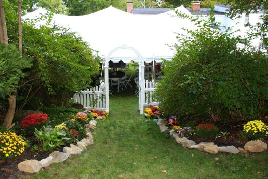 The Clarke House Bed & Breakfast: View of the Reception Tent