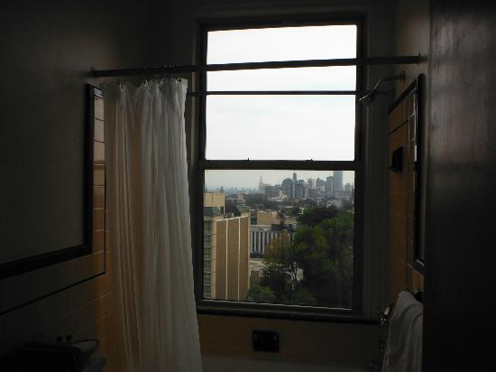 Lenox Hotel and Suites : Bathroom With A View
