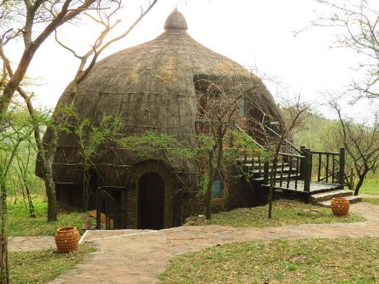 Serengeti Serena Safari Lodge: Our room (the one on the second floor)