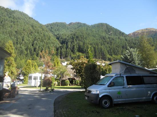 Queenstown Holiday Park & Motel Creeksyde: Our campsite in Queenstown