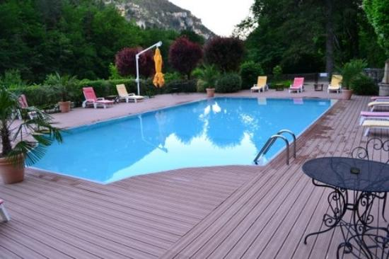 Chateau de la Caze: espace piscine