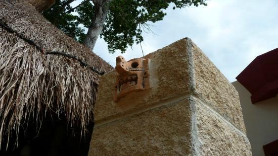 Hotel Sak-Ol K'aax: Mayan decorations