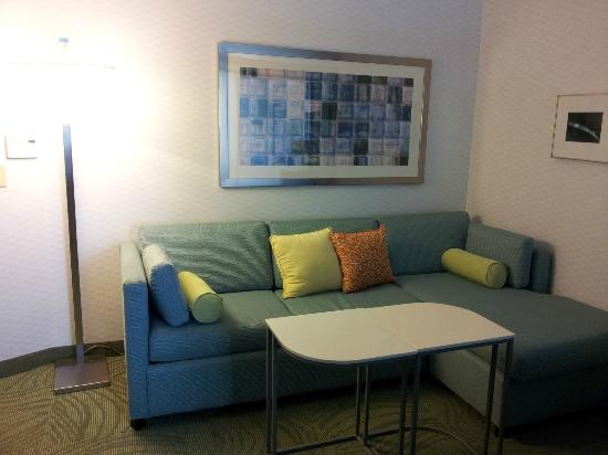 SpringHill Suites Macon: Couch Area