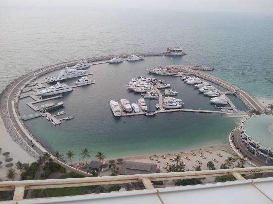 Jumeirah Beach Hotel: View of the harbour from our room