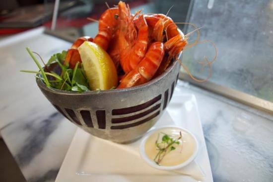 Salt Seafood Bar and Grill: fresh local prawns anyone?