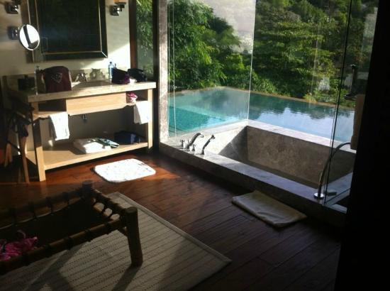 Four Seasons Resort Seychelles: Badezimmer