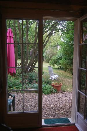 Le Clos Fleuri: vue du jardin