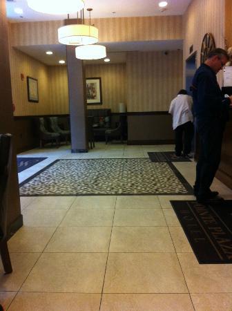 โรงแรม พอยท์ พลาซ่า: Reception Seating Area