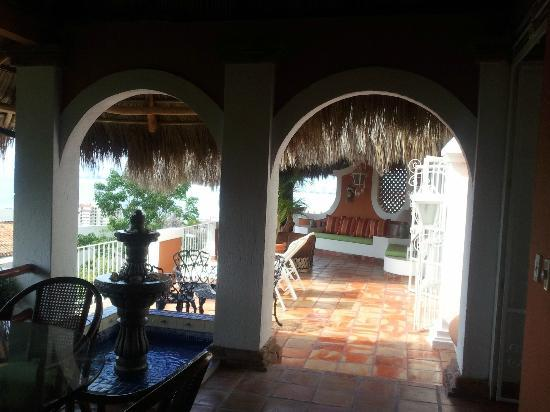Casa de los Arcos: Looking from the dining room to the other outdoor living area