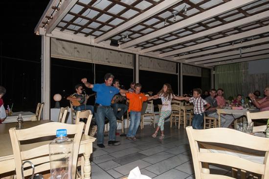 Flamingo: Evening dance: free and spontaneous