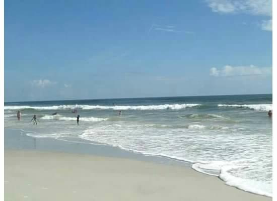Jacksonville Beach: no sandy beach