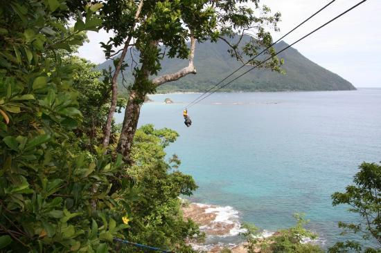 Daluyon Beach and Mountain Resort: ZIP LINE