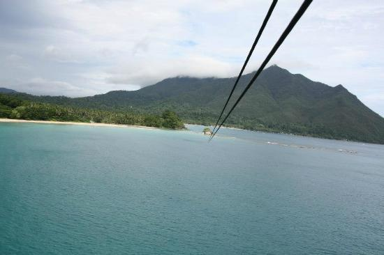 Daluyon Beach and Mountain Resort: ZIPLINE