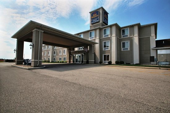 BEST WESTERN Legacy Inn & Suites Beloit-South Beloit: Welcome to the Best Western Beloit/South Beloit
