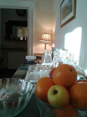 Clarence House: Fruits and cereals before the main plate